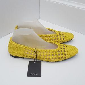New Zara Trafaluc yellow weaved flats EU 39 US 8